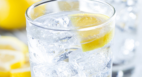 ice_water_with_lemon_800