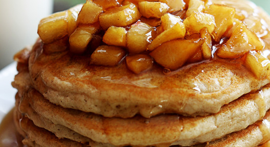 apple-cinnamon-pancakes-1