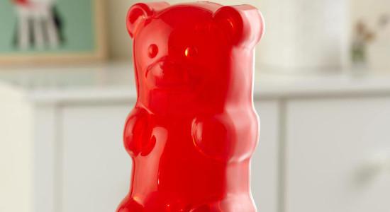 gummy_bear_night_red_life