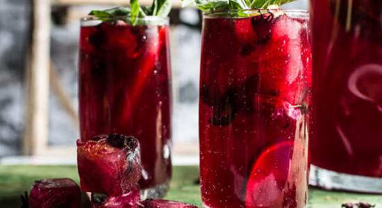 Hibiscus-lemongrass-Basil-and-Honey-Sweet-Iced-Tea-12