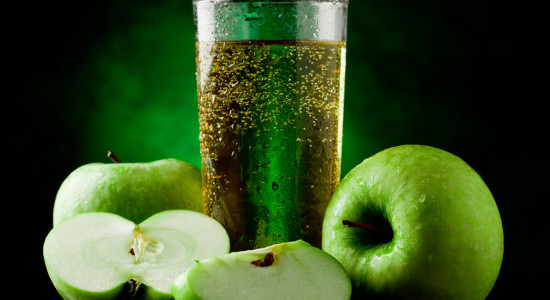 1-apple cocktail drink-shutterstock_78879118