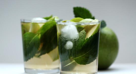 Make-Apple-Mint-Tea-Cooler-Step-5