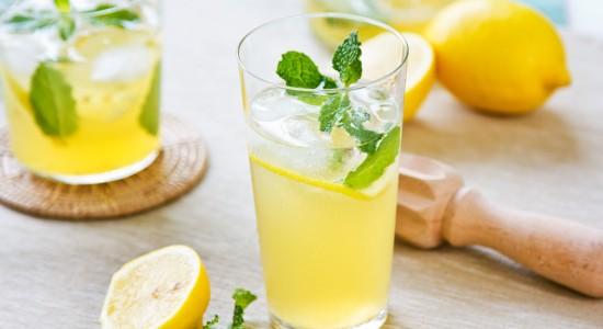 lemon-juice-lemonade-mint-drink-glass-mojito-ice-background