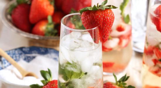 Strawberry-Champagne-Mojito-4-646x1024