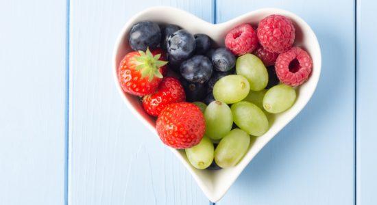 Картинки по запросу ягоды в тарелке